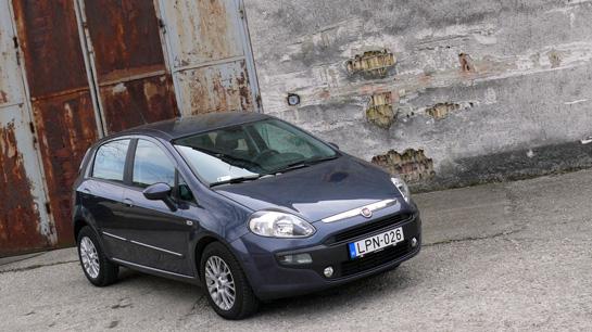 Fiat Punto Evo 1.3 Multijet teszt (2010) - Sós vizekről tavakba on fiat cinquecento, fiat ritmo, fiat cars, fiat coupe, fiat stilo, fiat barchetta, fiat 500 turbo, fiat panda, fiat multipla, fiat 500l, fiat marea, fiat bravo, fiat spider, fiat doblo, fiat seicento, fiat linea, fiat x1/9, fiat 500 abarth,