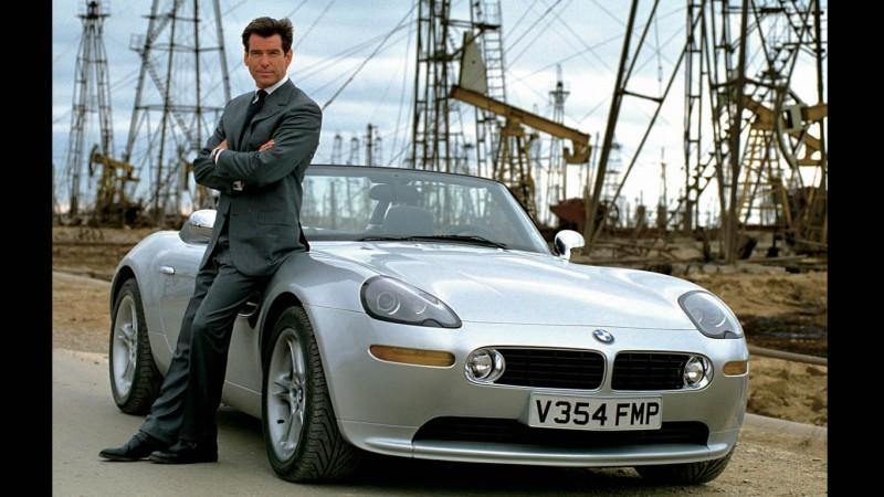 Mivel Jar A 007 Es Sorra Vettuk James Bond Autoit