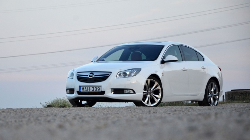 opel insignia 2 0 cdti biturbo 2012 teszt m g egy lap ttal. Black Bedroom Furniture Sets. Home Design Ideas