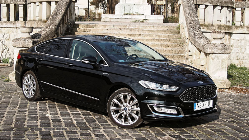 ford mondeo vignale 2 0 ecoboost 2016 teszt f l l bbal a luxusaut k k z tt. Black Bedroom Furniture Sets. Home Design Ideas
